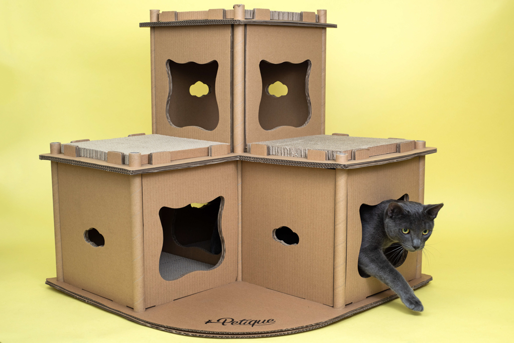 cat-castle-product-photography